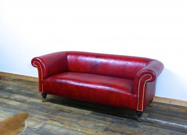 THE GODERICH SOFA IN RED