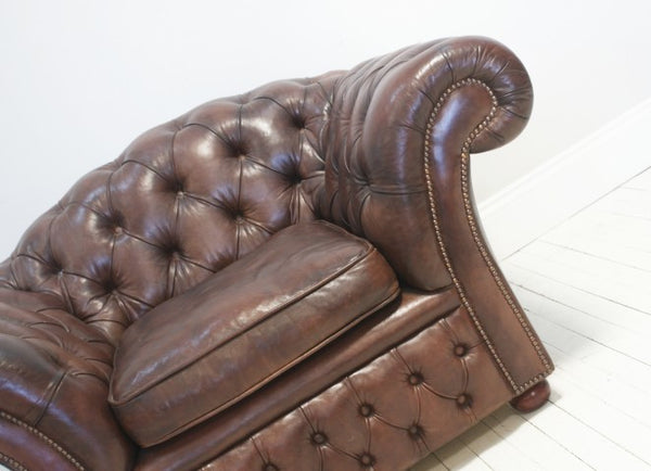 THE ROSEBERY CHESTERFIELD CHAIR : CHESTNUT