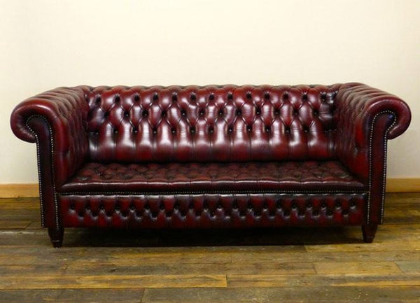 DEEP WINE RED CHESTERFIELD SOFA : FULLY BUTTONED, THREE SEATER