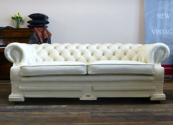 STUNNINGLY RESTORED DELLBROOK CHESTERFIELD SUITE