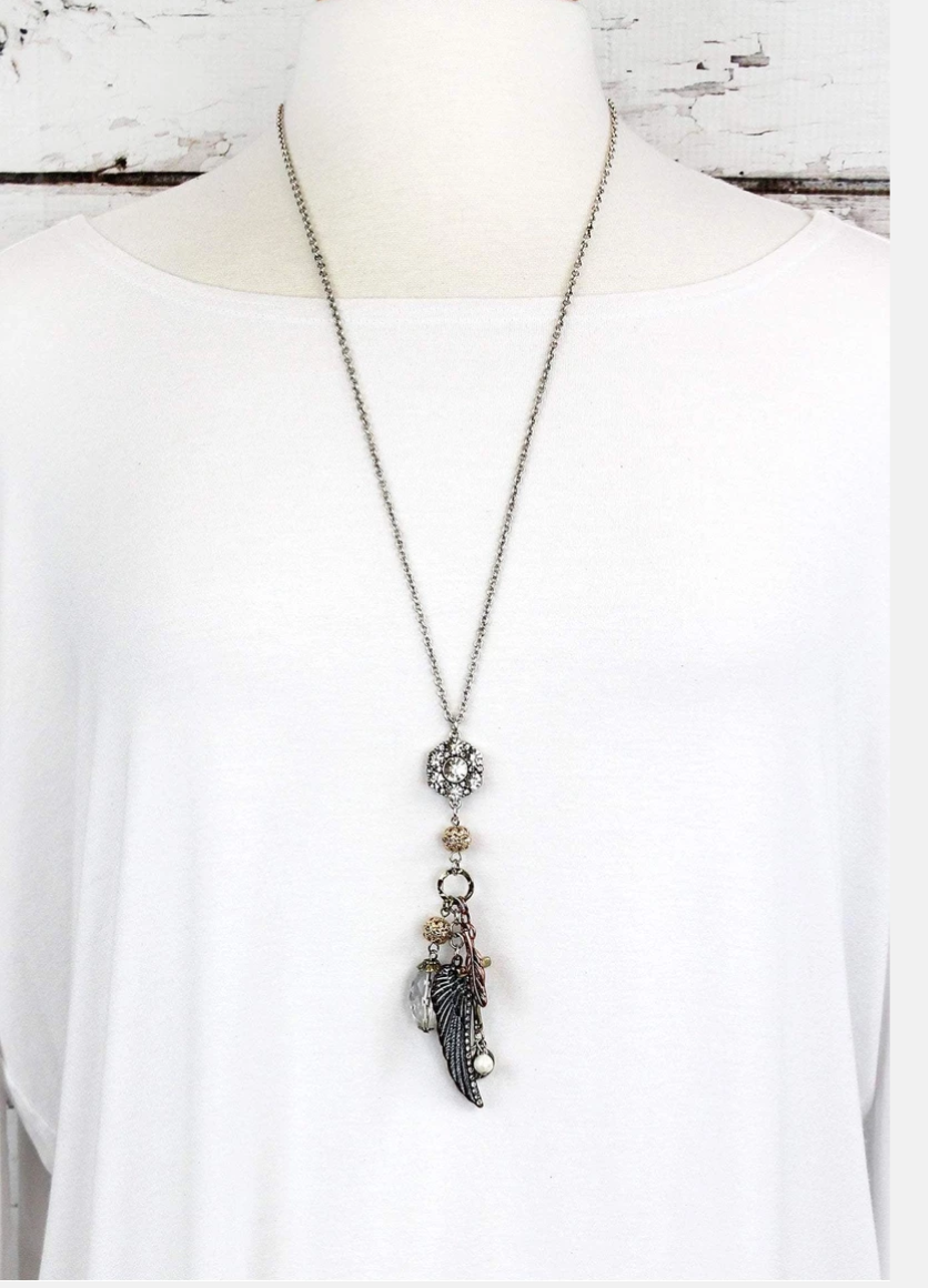 WING AND CRYSTAL CLUSTER PENDANT NECKLACE