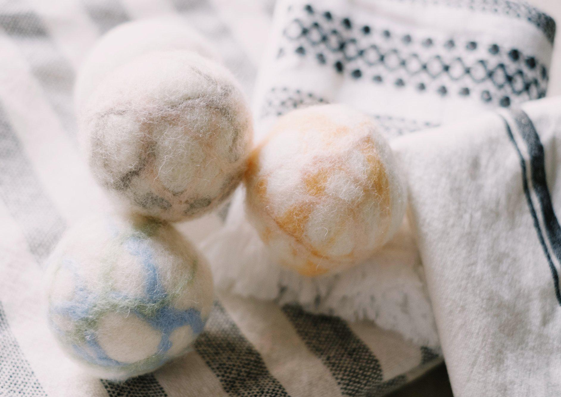 DIY Marbled Wool Dryer Balls