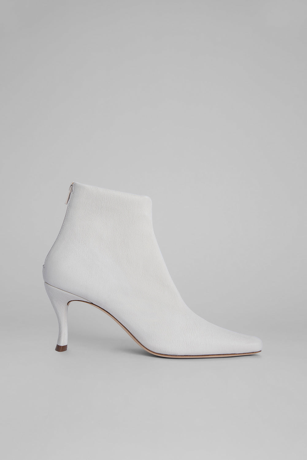 Stevie 22 White Stretch Leather