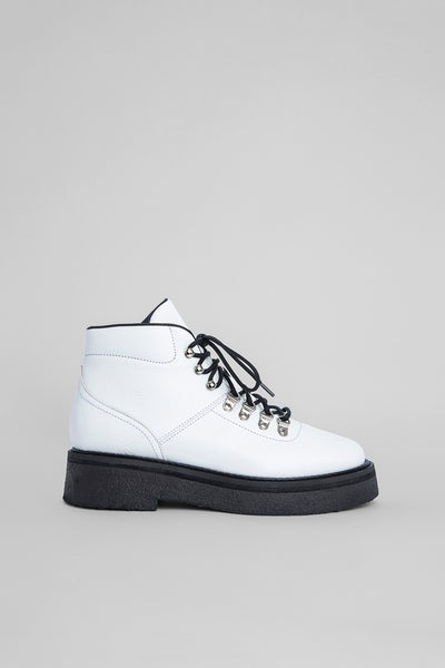 Leo White Grained Leather