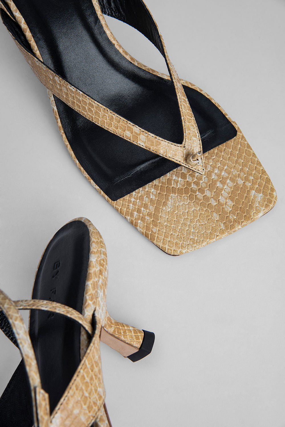 Mindy Blonde Snake Print Leather
