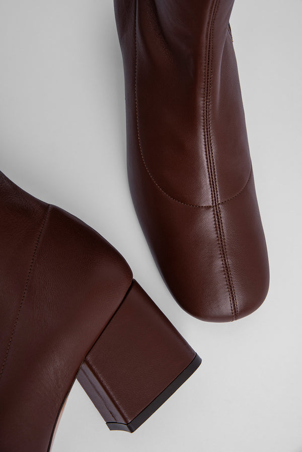 Carlos 22 Dark Brown Stretch Leather