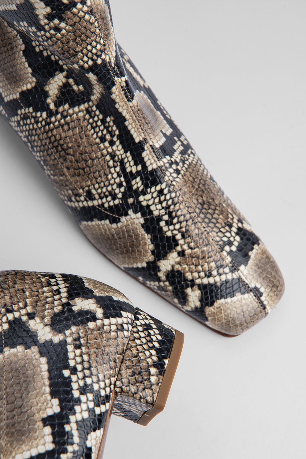 Este Boot Snake Print Leather