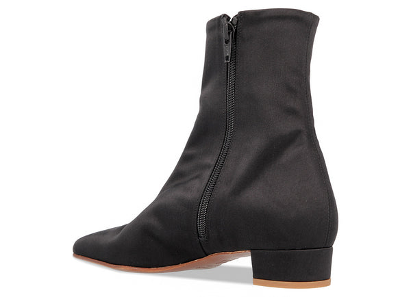 Este Boot Black Silk