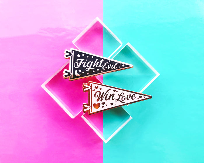 Fight Evil & Win Love ~ Best Friends Pennant Set!