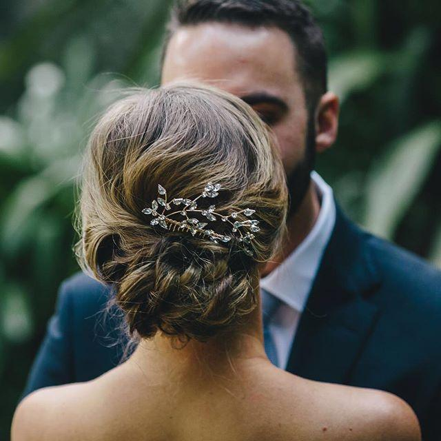 withflayr,hairstylist,sydneyhairstylist,bridal,bride,hairandmakeup,upstyles,sydneyhmua,messybun,bridalhair,wenjia_w,hmua,hairstyles