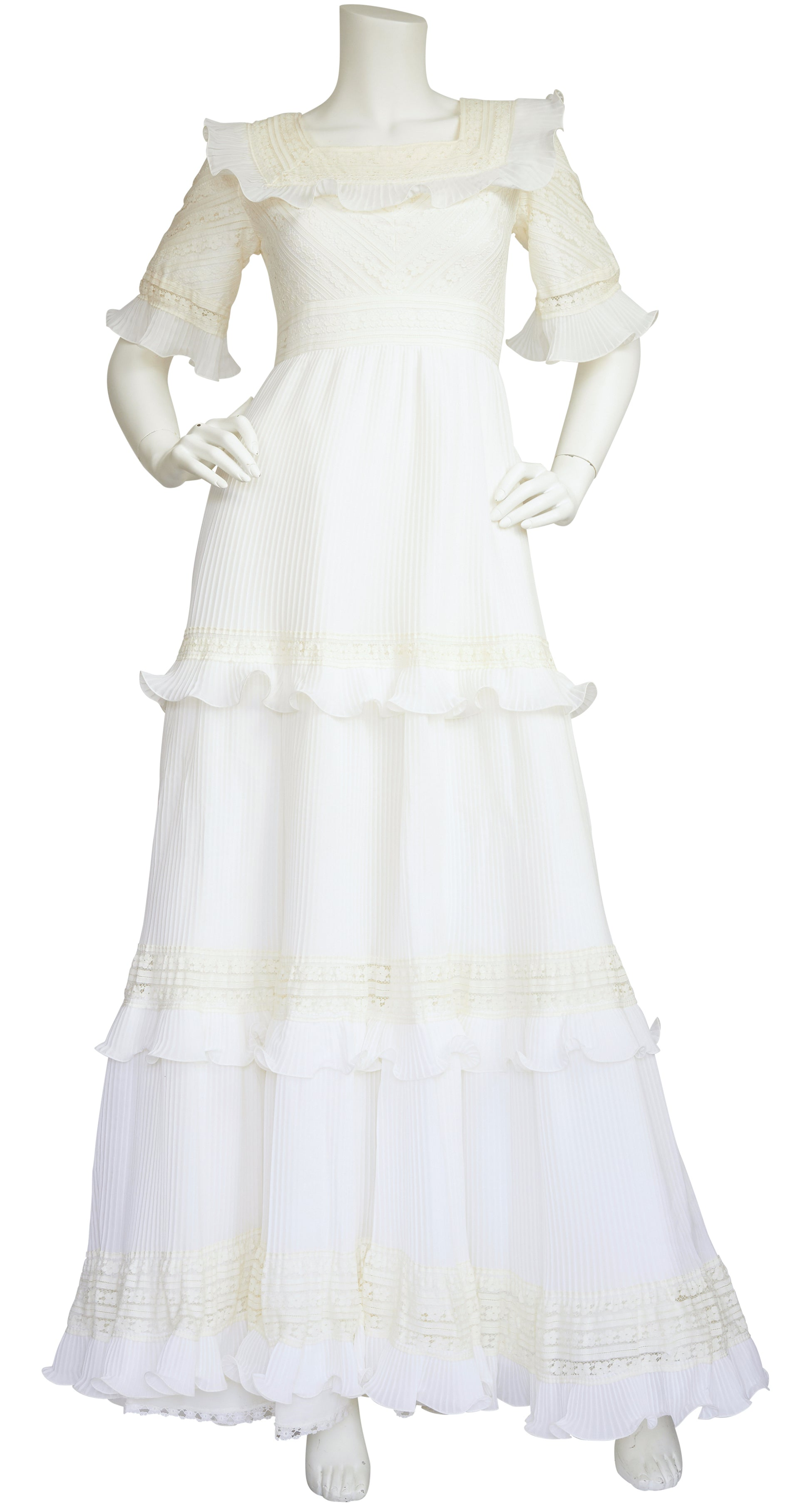 "1970s ""Les Mariees"" White Lace Pintuck Ruffle Wedding Dress"
