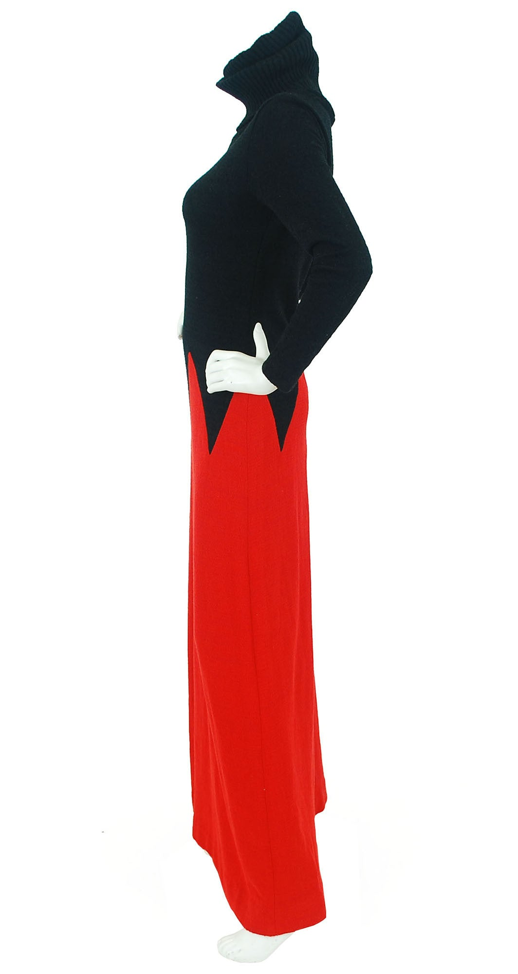 1970s Black & Red Zig-Zag Knit Maxi Dress
