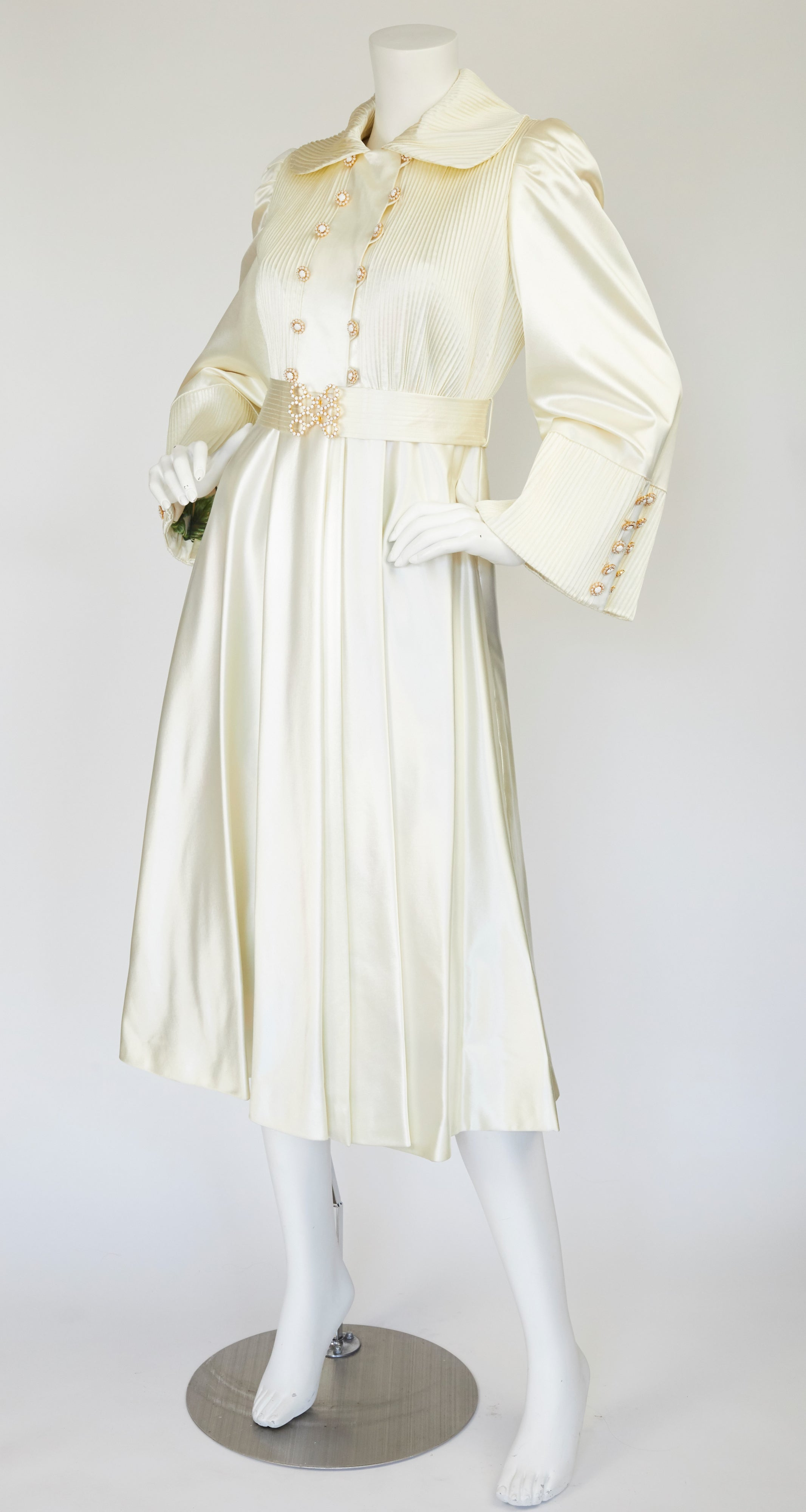 1970s Pintuck Cream Satin Floral Silk Lining Bridal Coat