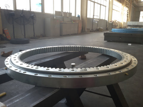 Hitachi, ZX70 Slew bearing