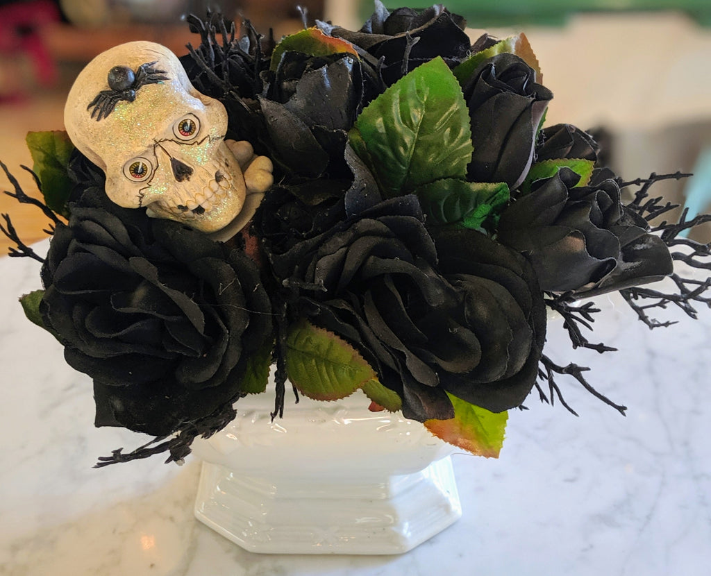 Black Rose & Skull Center Piece