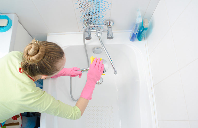 How to Clean Bathtub Drain in Just 3 Easy Steps