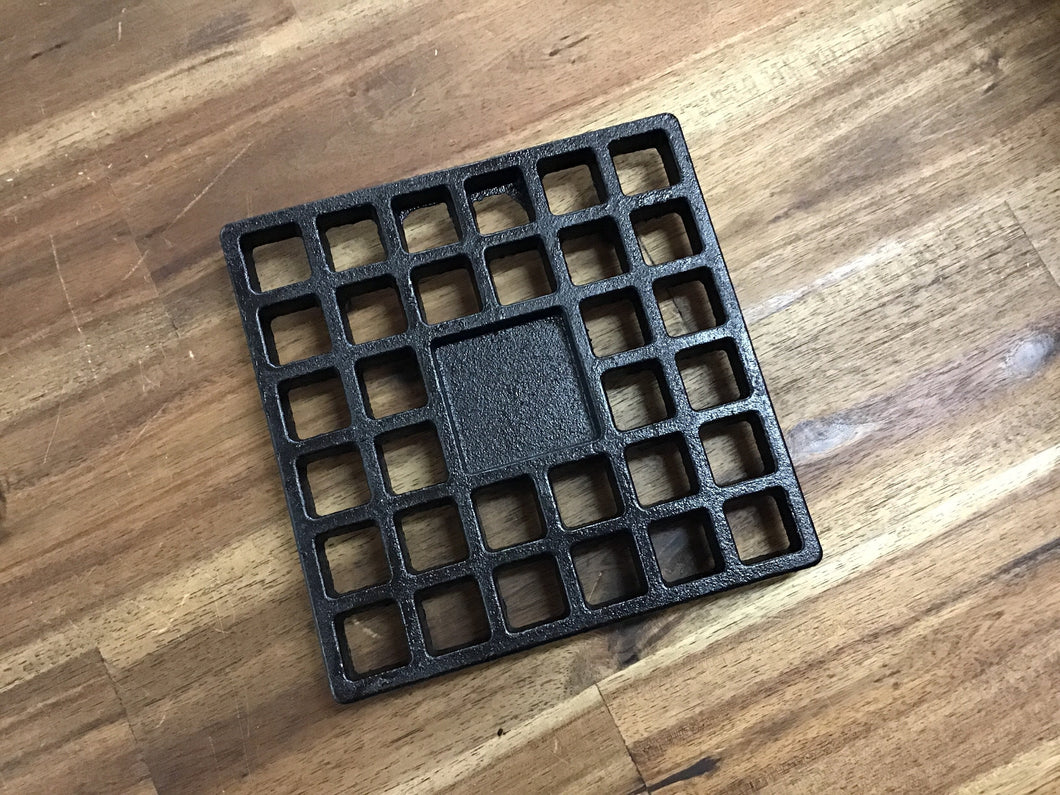 Red Roads Fire - Cast Iron Grid/Pot Stand