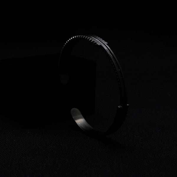 PREMIUM CROWN CUFF 2.0 [ JADE BLACK ]