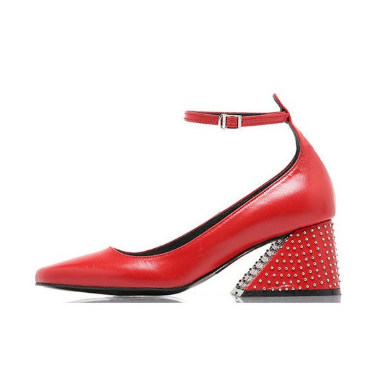 [YUUL YIE] STUDDED Y HEEL STRAP PUMPS - Red STUD