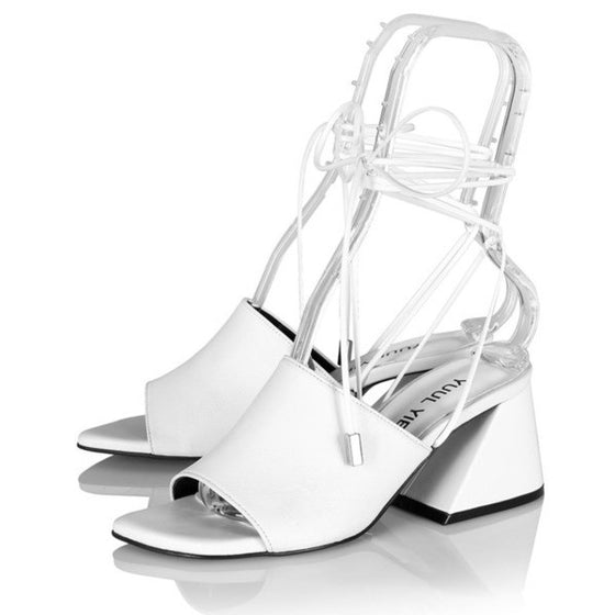 [YUUL YIE] BREEZE STRING SANDAL - White