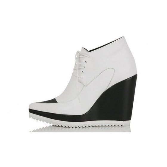 [YUUL YIE] LACE-UP WEDGE BOOTIES - White