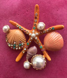 MONET-VINTAGE-SIGNED-UNDER-THE-SEA-STARFISH-CORAL-SHELL-ENAMEL-PEARL-BROOCH