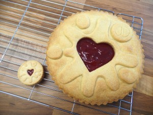 jammie dodger silicone cake mold