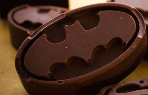 Batman logo silicone chocolate mold from Moldyfun