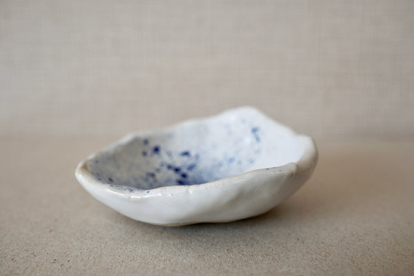 Studio Freckles /freckled blue fragments tray