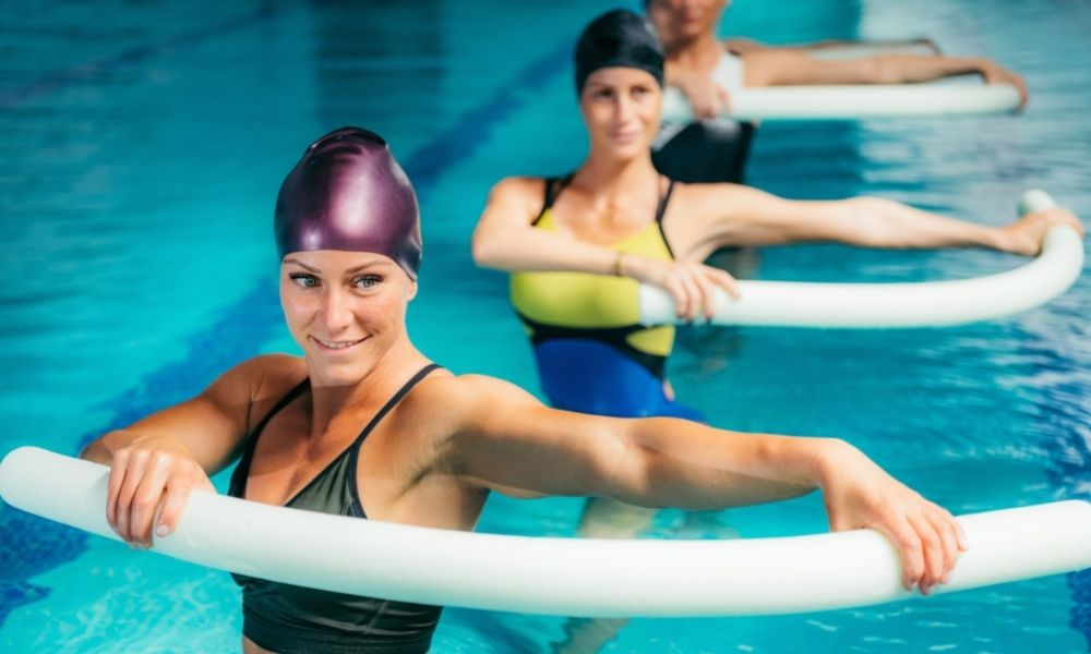 The Benefits of Using Pool Noodles in Swimming Class