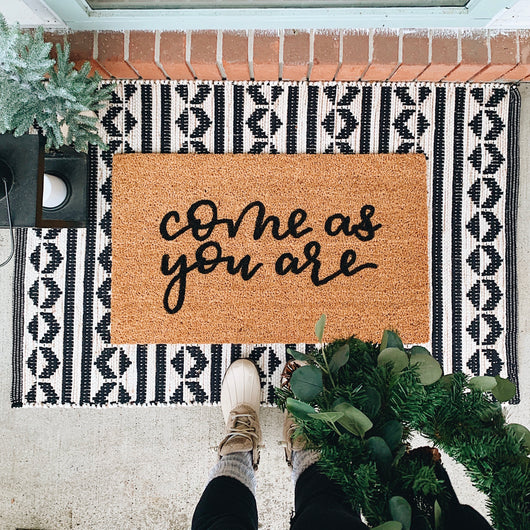 *LOCAL MEET UP ONLY* Come As You Are Hand Lettered Welcome Mat