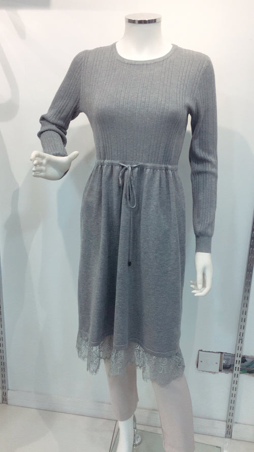 Half ribbed jumper dress with lace
