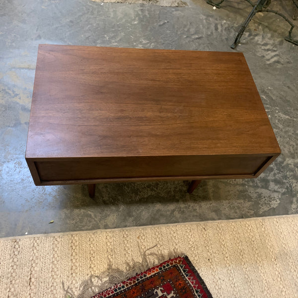 A Pair of Mid-Century Modern Nightstands with Drawers