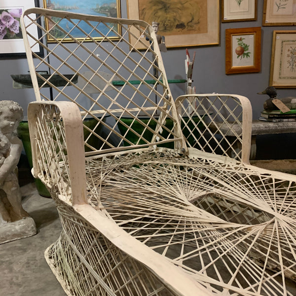 Mid-Century Spun Fiber Glass Chaise Lounges and Matching Side Table