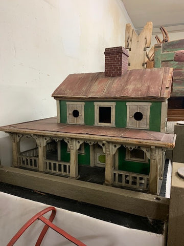 Great vintage two level farm style bird house