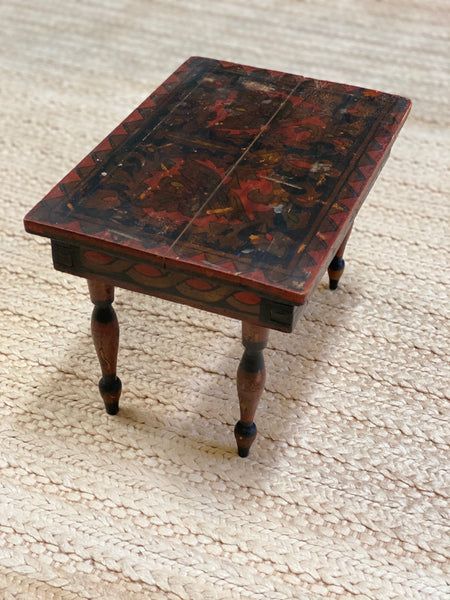 Diminutive painted stool with beautifully turned legs c 1920's