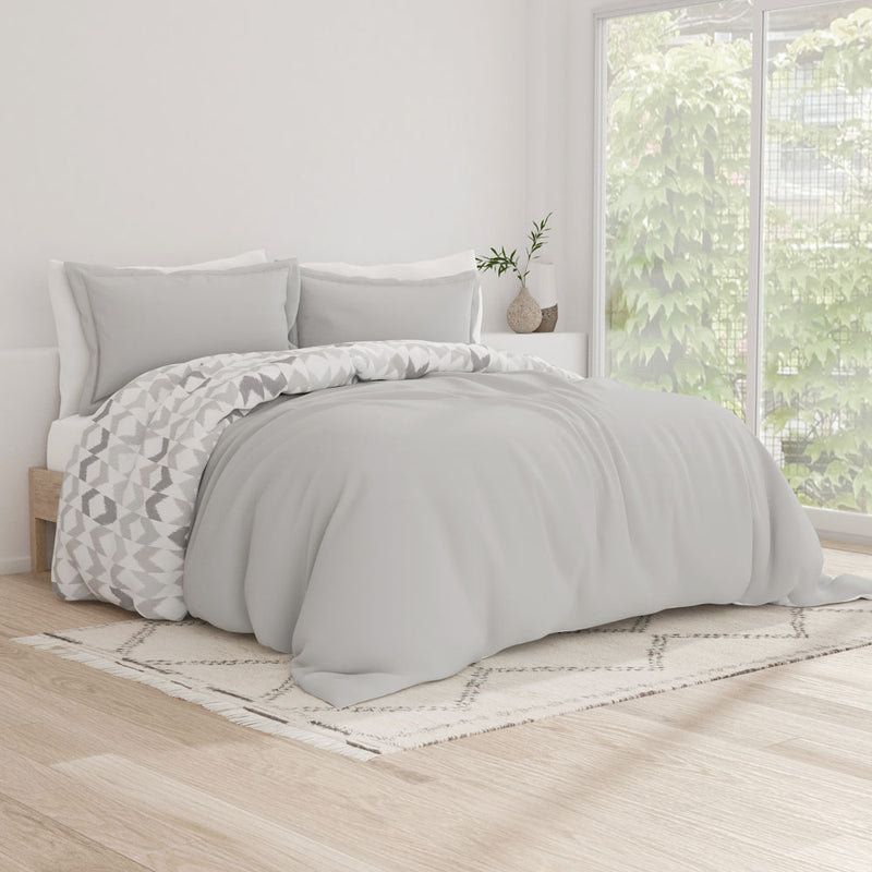Premium Ultra Soft Chevron Sleep 3-Piece Reversible Duvet Cover Set