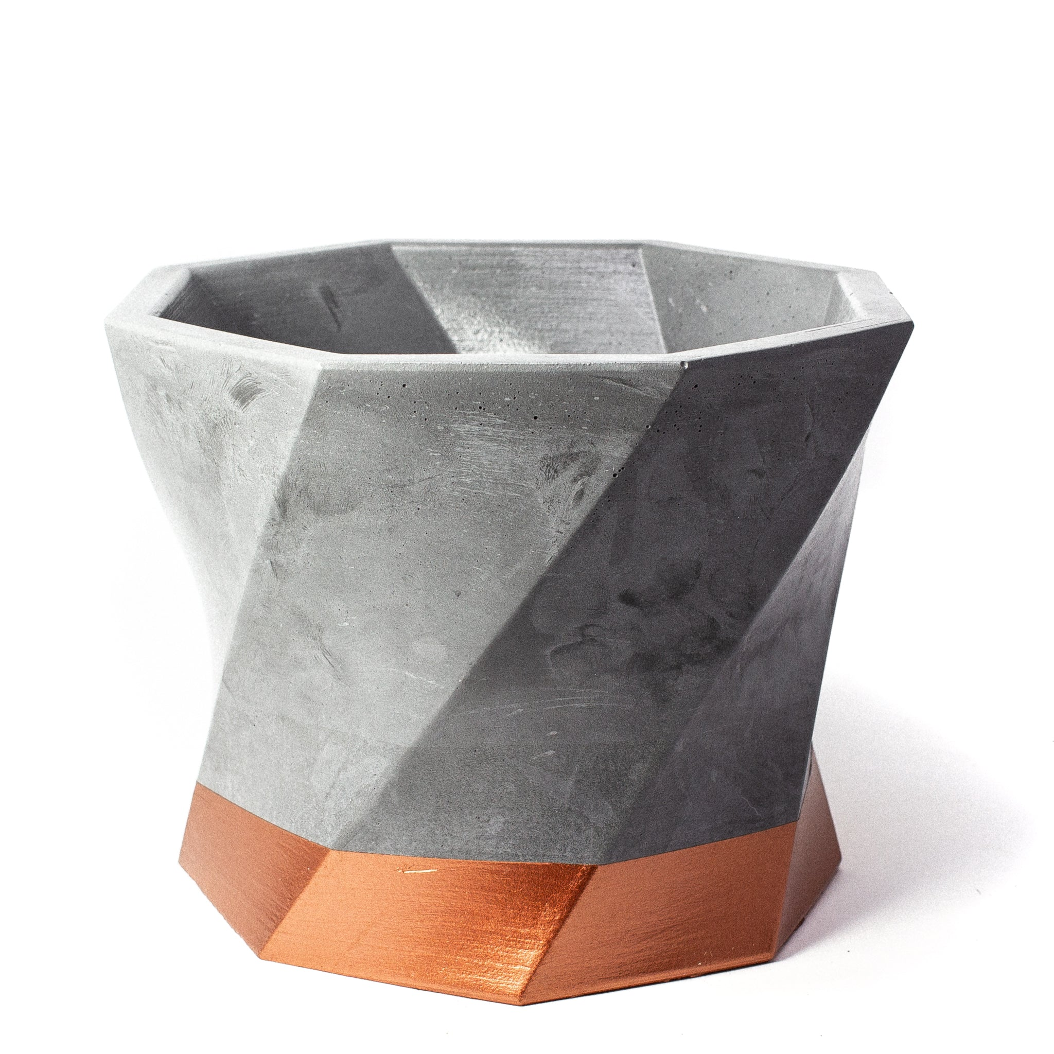 Concrete Twisted Octagon Planter: Bronze