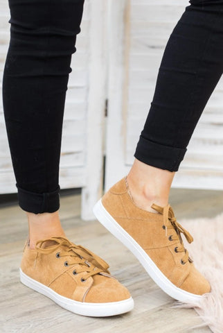 ENJOY LIFE'S ADVENTURES LACE UP SHOES IN TAN