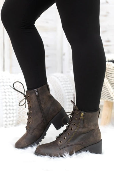 WALK MY WAY LACE UP WITH ZIPPER BOOTS IN BROWN