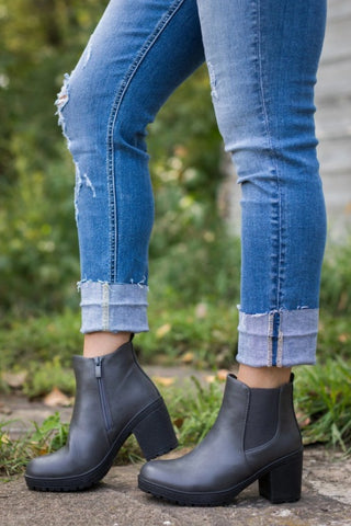 WALK TALL AND PROUD SIDE ZIPPER BOOTS IN GREY