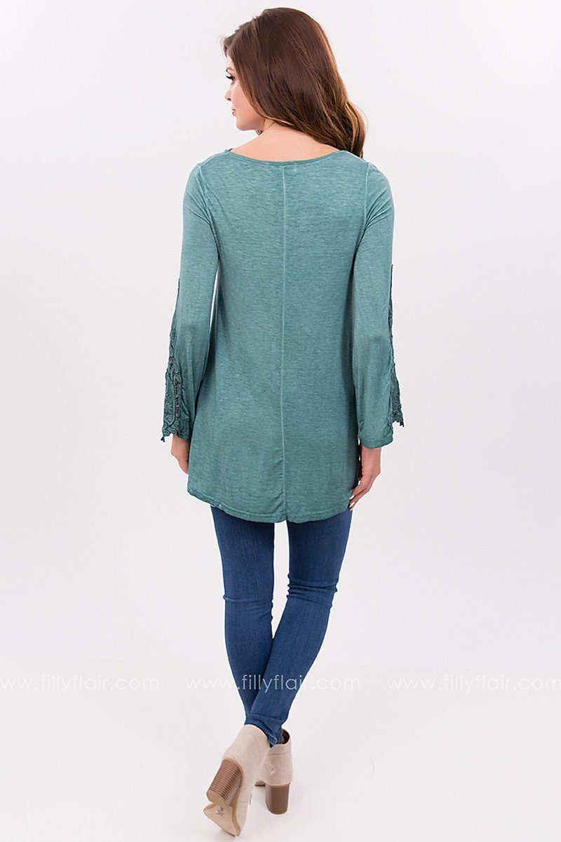 Green Isles Top with Lace Sleeves in Emerald