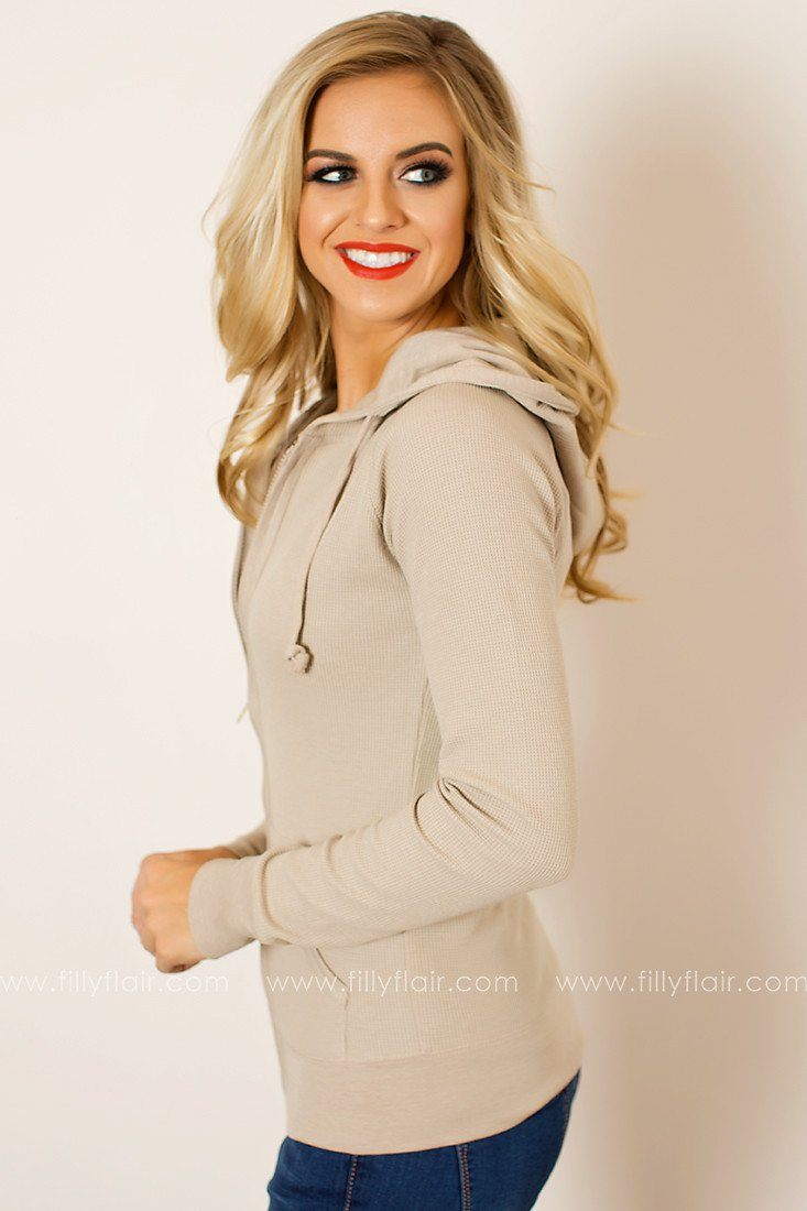 Casual Chic Hoodie in Oatmeal