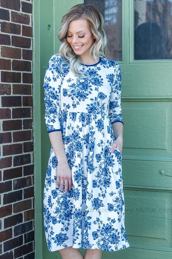 Take It Easy 3/4 Sleeve Floral Dress In Navy White