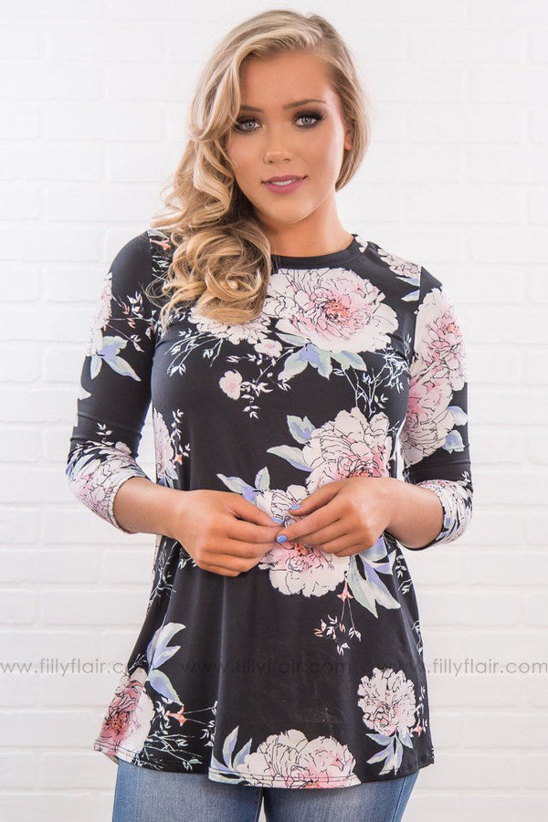 Call On Me 3/4 Sleeve Floral Top In Black