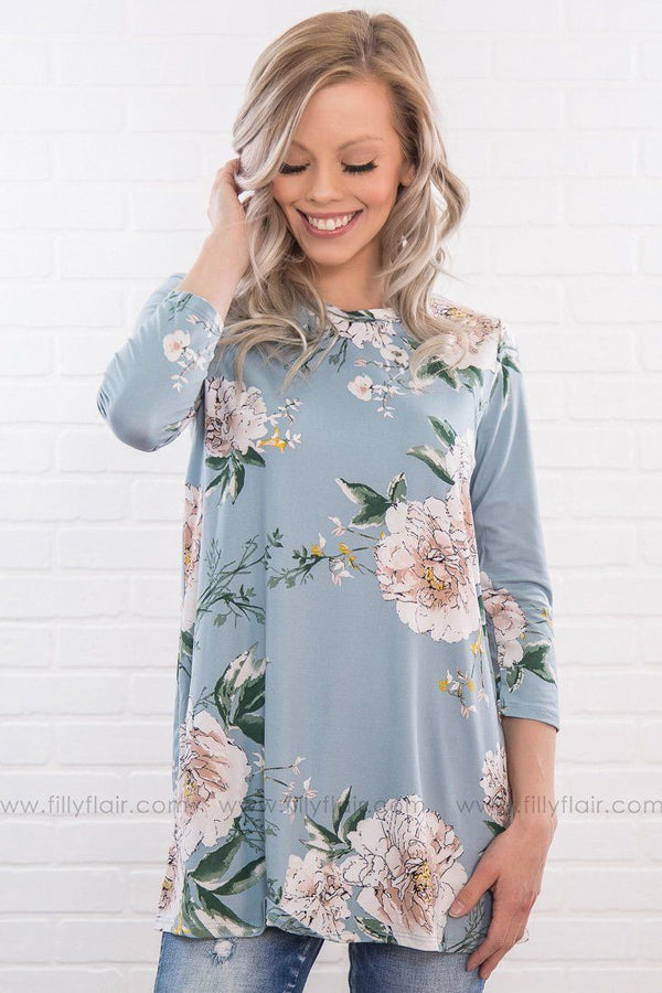 Love You Like That Floral 3/4 Sleeve Tunic In Slate Blue