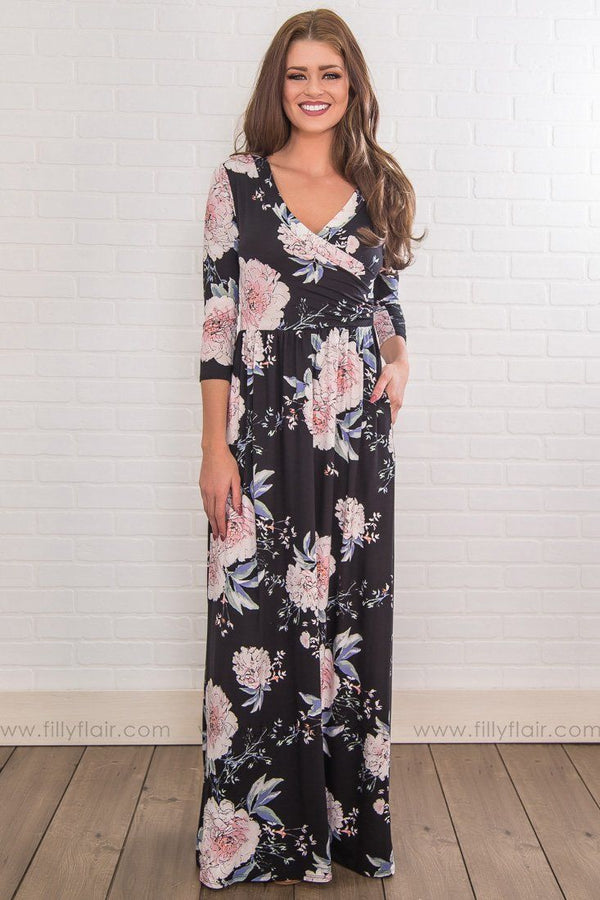 Looks Good On You Floral Maxi Dress In Black