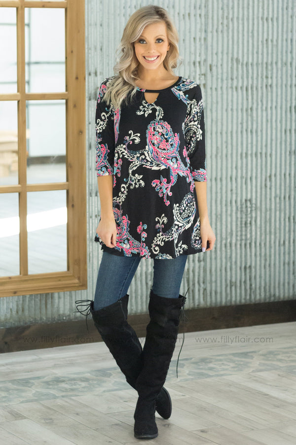 *Back In Time 3/4 Sleeve Key Hole Printed Top In Black Pink - Filly Flair