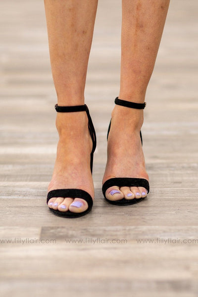 Strappy Open Toe Heel In Black - Filly Flair