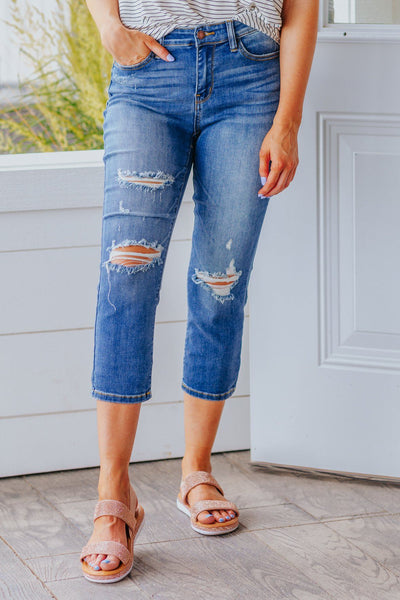 Justin Judy Blue Mid Rise Cuffed Capri Jeans in Medium Wash - Filly Flair